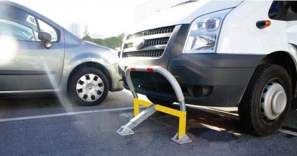 Μπαράκια παρεμπόδισης στάθμευσης
