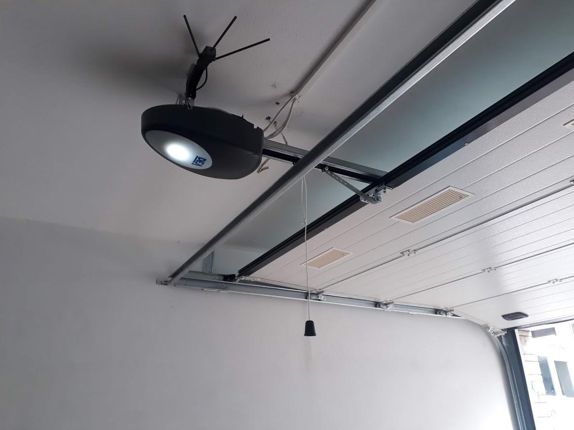 σπαστή πόρτα οροφής